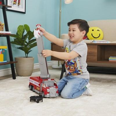 PAW Patrol - Marshall's Transforming City Firetruck (CNW Group/Spin Master)