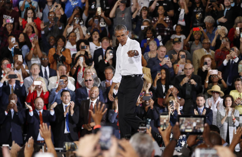 Security Lapse At Obama Rally In City >> Obama Rails Against Republicans Rallies Democrats In Nevada