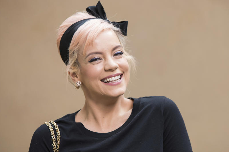 Lily Allen poses for photographers prior to the Chanel ready-to-wear fall/winter 2018/2019 fashion collection presented in Paris, Tuesday March 6, 2018. (Photo by Vianney Le Caer/Invision/AP)