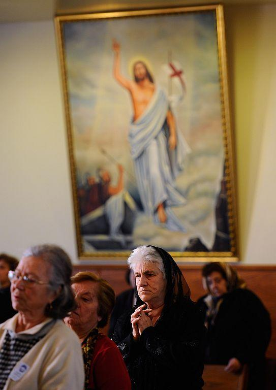 LOS ANGELES, CA :  Armenians celebrate Christmas mass at St. Garabed Armenian Apostolic Church. File photo: January 2011