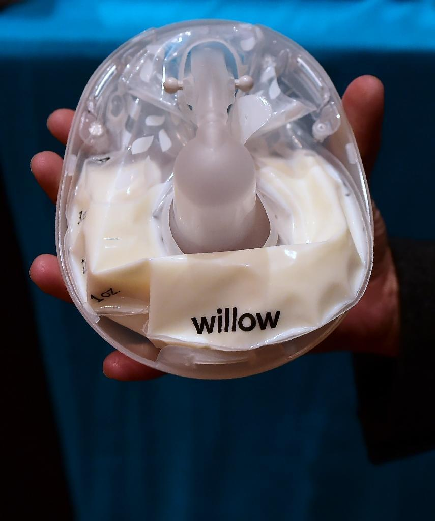 The smart breast pump from Willow, billed as quiet enough to use in a conference call, is displayed at the 2017 Consumer Electronic Show (AFP Photo/Frederic J. BROWN)