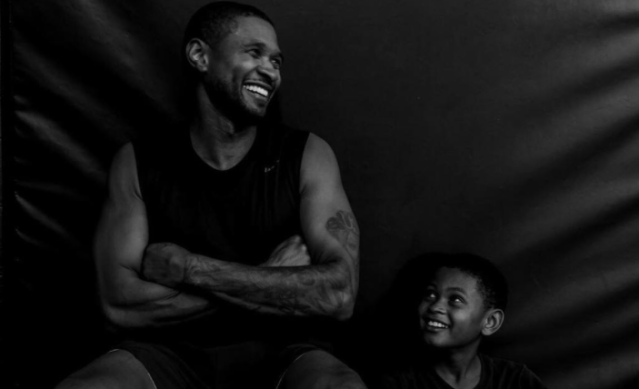 "<p>The singer had a supercute workout buddy, his son Usher V (aka ""Cinco""), over the weekend. (Photo: <a href=""https://www.instagram.com/p/BaApdQ6l9OP/?hl=en&taken-by=usher"" rel=""nofollow noopener"" target=""_blank"" data-ylk=""slk:Usher via Instagram"" class=""link rapid-noclick-resp"">Usher via Instagram</a>) </p>"