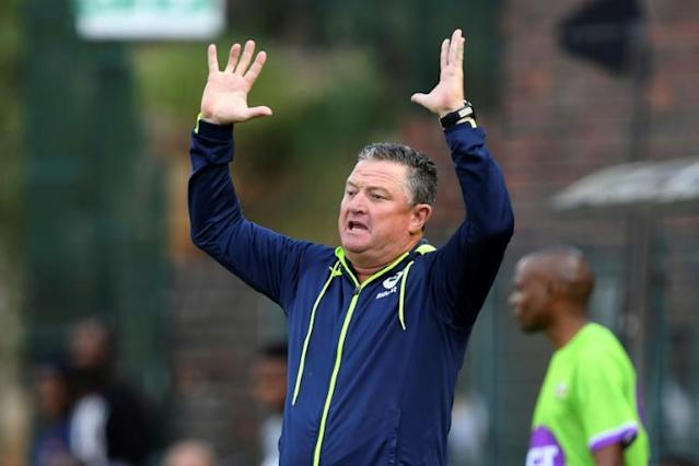 Bidvest Wits coach Gavin Hunt shows his unhappiness with a decision during a South African Premiership match (AFP Photo/STRINGER)
