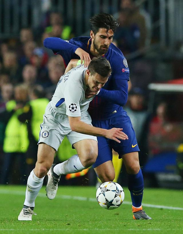 Soccer Football - Champions League Round of 16 Second Leg - FC Barcelona vs Chelsea - Camp Nou, Barcelona, Spain - March 14, 2018 Chelsea's Cesar Azpilicueta in action with Barcelona's Andre Gomes REUTERS/Albert Gea