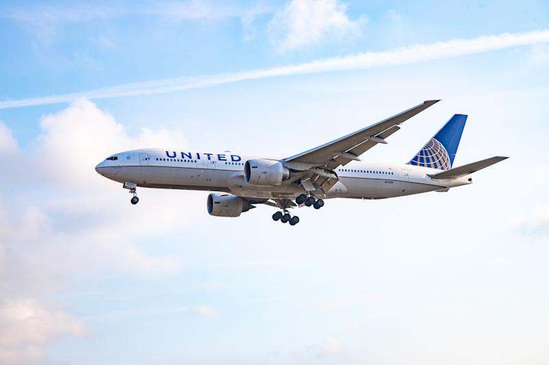 United Airlines Boeing 777-300 in flight