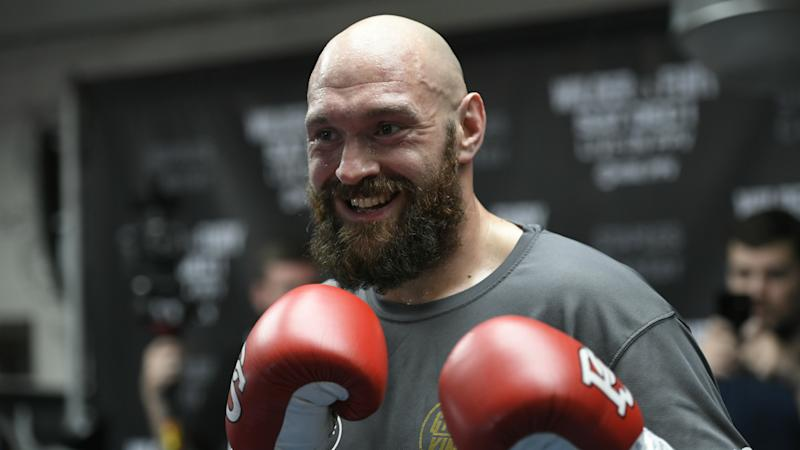 Fury welcomes Joshua sparring offer
