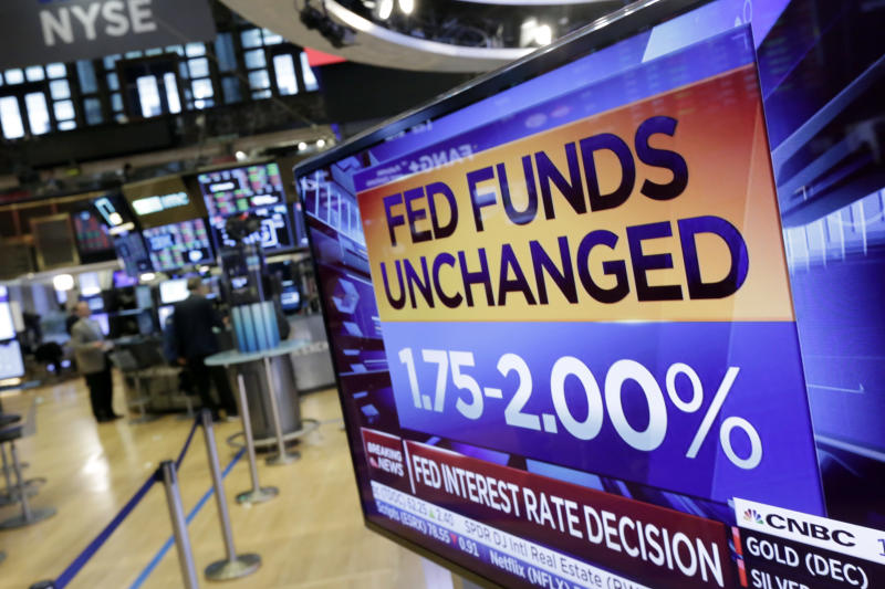 Savings Account Rates Continue Downward, Even If The Fed