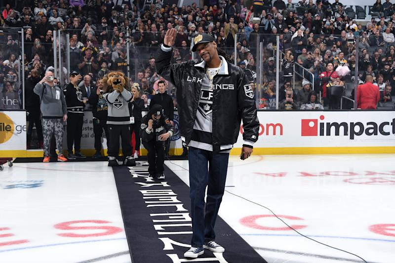 Watch Snoop Dogg Provide Hockey Play-by-Play for Los Angeles Kings Game