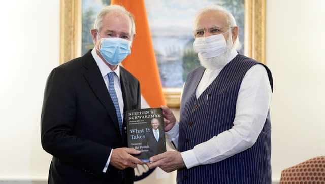 Prime Minister Narendra Modi met chairman and CEO of the Blackstone Group, one of the world's leading investment firms, Stephen Schwarzman and discussed investment opportunities in India, including those under NIP and NMP. Image Courtesy: @narendramodi/Twitter