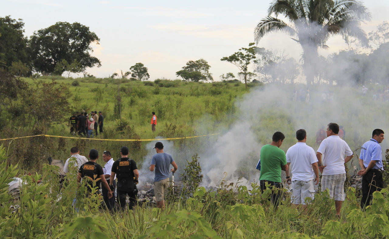 This undated photo provided by Columbia Helicopters based in Aurora, Ore., shows the helicopter that crashed Monday, Jan. 7, 2013, near the provincial capital of Pucallpa, Peru, killing five American and two Peruvian crew members.(AP Photo/Columbia Helicopters)