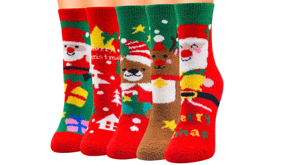 Jogoo Fuzzy Christmas Socks (Photo: Amazon)