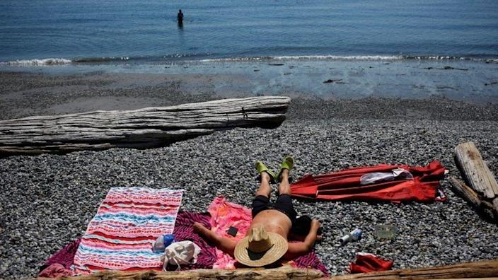 People look for ways to cool off in British Columbia