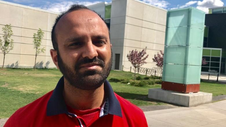 Apps and social media helping Calgary Muslims navigate Ramadan 2018