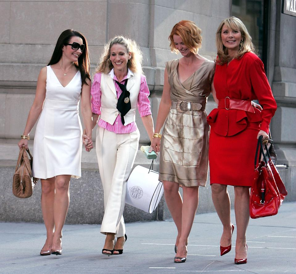 Kristin Davis, Sarah Jessica Parker, Cynthia Nixon, and Kim Cattrall on the set of Sex In The City: The Movie.