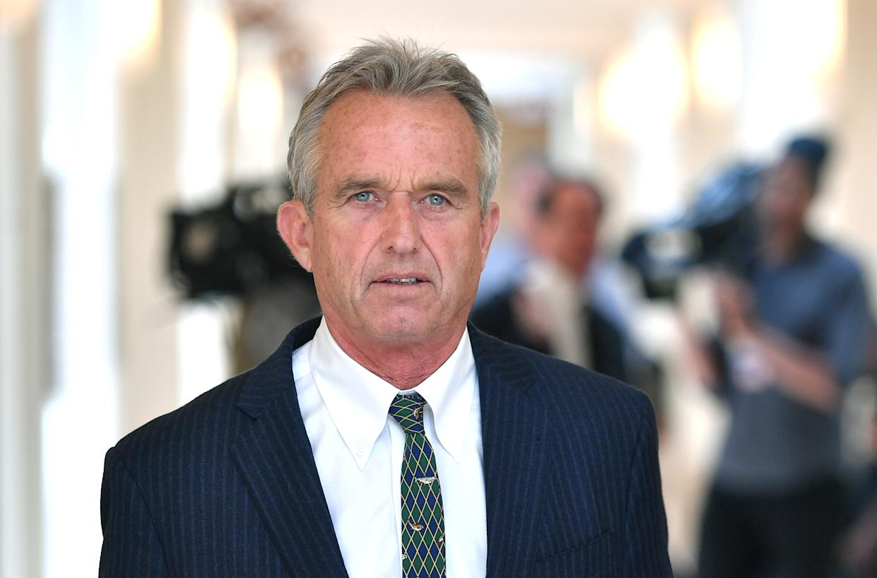 Robert Francis Kennedy Jr. walks down a hallway during a recess at the Monsanto trial held at the Superior Court of California in San Francisco, California, U.S., July 09, 2018. Picture taken July 09, 2018. Josh Edelson/Pool via Reuters