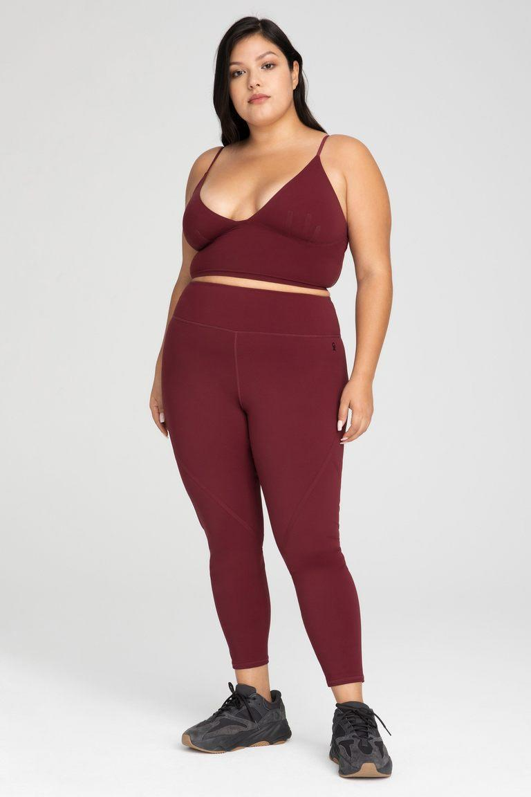 Good American activewear is available in an inclusive range of sizes XS to 5X. Image via Good American.