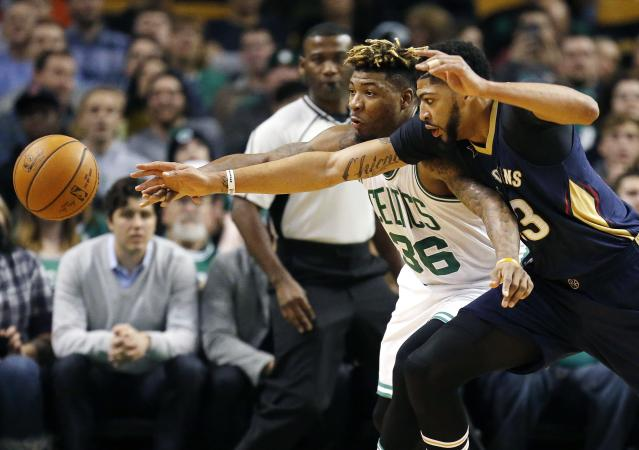 "Are <a class=""link rapid-noclick-resp"" href=""/nba/players/5007/"" data-ylk=""slk:Anthony Davis"">Anthony Davis</a> and the Celtics chasing each other? (AP)"
