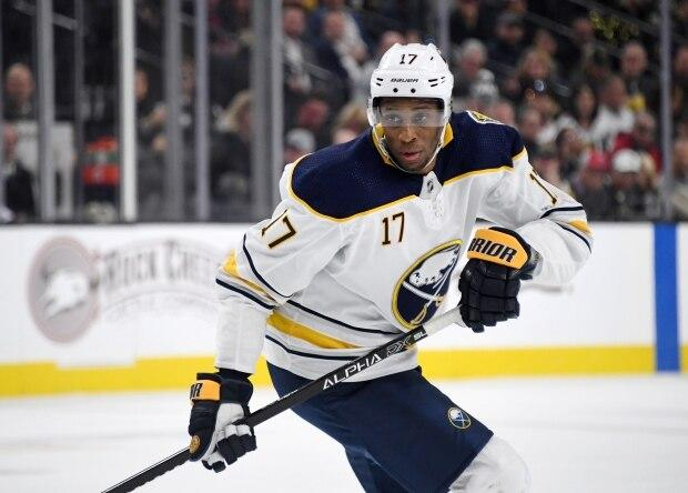 Maple Leafs sign Wayne Simmonds to 1-year deal