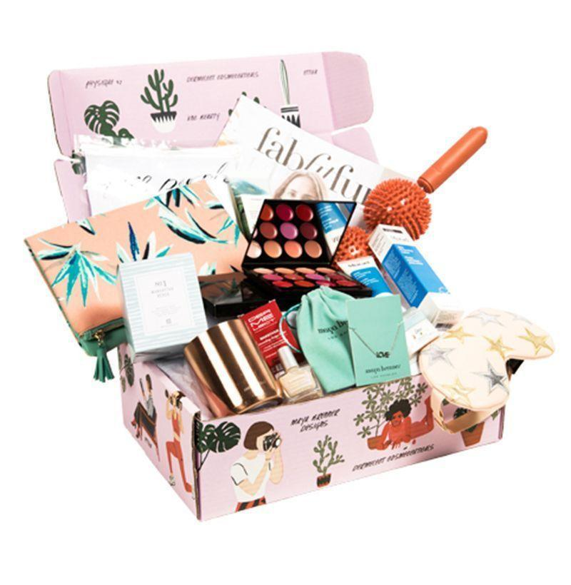 """<p><strong>FabFitFun</strong></p><p>fabfitfun.com</p><p><strong>$60.00</strong></p><p><a href=""""https://go.redirectingat.com?id=74968X1596630&url=https%3A%2F%2Ffabfitfun.com%2Fgift%2F&sref=https%3A%2F%2Fwww.esquire.com%2Flifestyle%2Fg18726497%2Flast-minute-mothers-day-gift-ideas%2F"""" rel=""""nofollow noopener"""" target=""""_blank"""" data-ylk=""""slk:Buy"""" class=""""link rapid-noclick-resp"""">Buy</a></p><p>FabFitFun packs loads of cool products covering wellness, beauty, and home into its boxes, so she'll always have something new and fun to try out.</p>"""