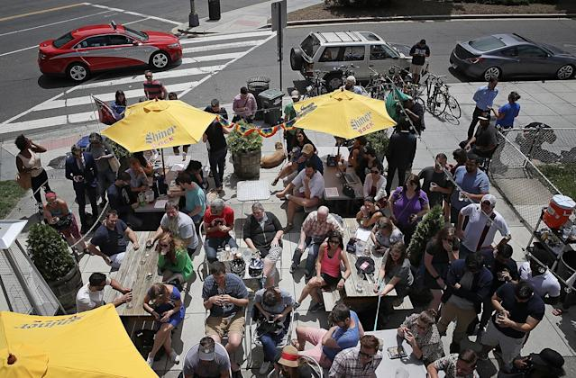 <p>Patrons at Duffy's Irish Restauran and Bar gather to watch former FBI Director James Comey testify before the Senate Intelligence Committee June 8, 2017 in Washington, D.C. (Win McNamee/Getty Images) </p>