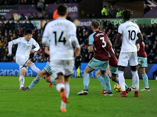 Ki Sung-yueng hands Swansea crucial victory over Burnley to continue revival under Carlos Carvalhal