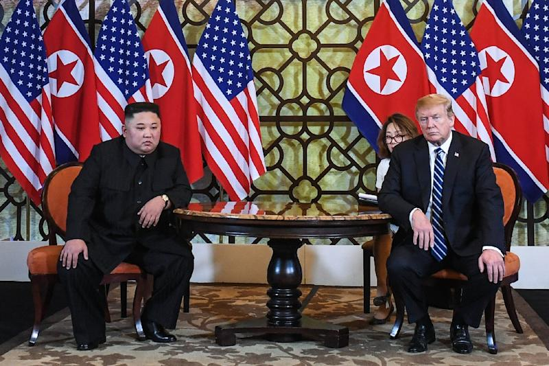 US President Donald Trump (R) and North Korea's leader Kim Jong Un hold a meeting during the second US-North Korea summit at the Sofitel Legend Metropole hotel in Hanoi on February 28, 2019 (AFP Photo/Saul LOEB)