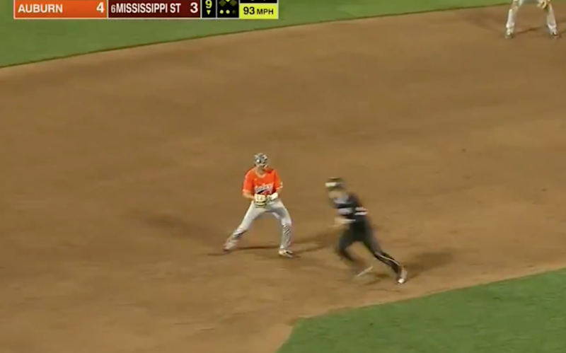 Watch Auburn inexplicably throw away ANOTHER game, this time in the College World Series