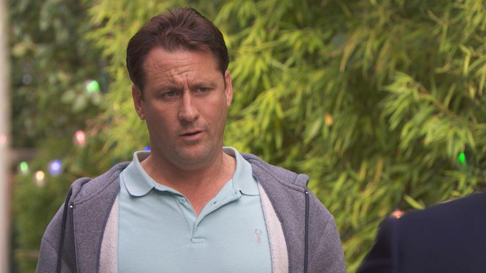 <p>Kurt has a meal plan business proposition for The Hutch. Tony wonders whether this could help him to win back Diane.</p>