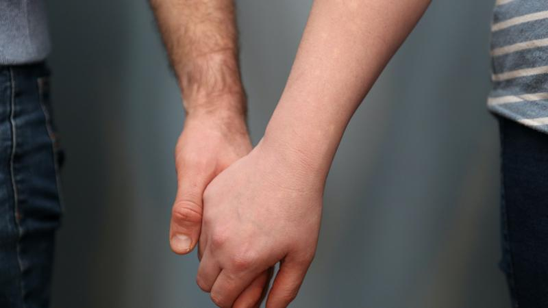 Quarter of adults say relationship improved during Covid outbreak – research