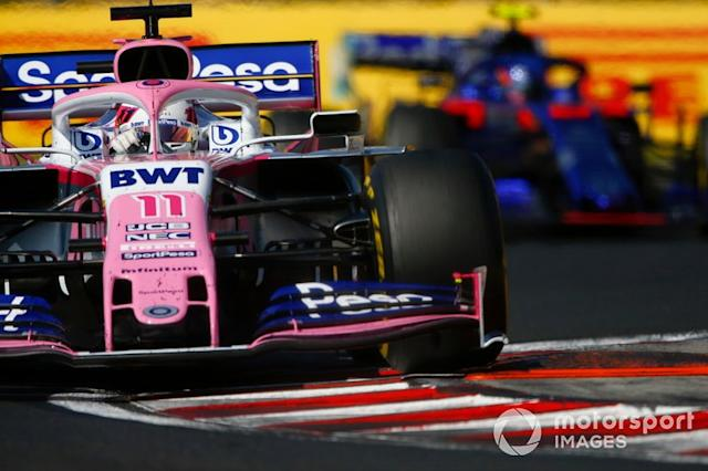 "Sergio Pérez, Racing Point RP19, lidera Alexander Albon, Toro Rosso STR14 <span class=""copyright"">Andrew Hone / LAT Images</span>"