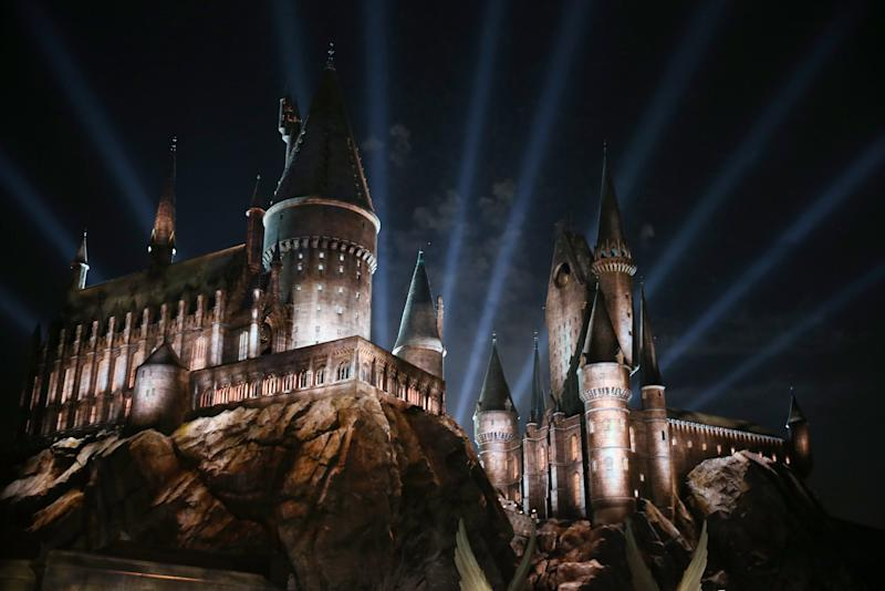 People Are Pretty Excited About This Unofficial 'Hogwarts' Passover Haggadah