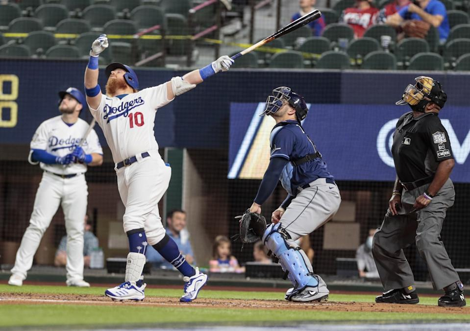 Justin Turner flies out in the first inning.