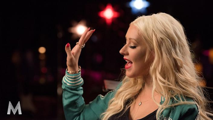 Learn to sing with tips from Christina Aguilera. (Photo: MasterClass)