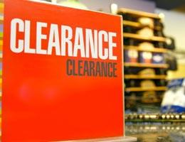 shopping-secrets-retailers-wont-tell-5-clearance-lg