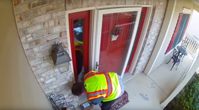 Things start off great with the delivery man placing the parcel in front of the door. Source: YouTube