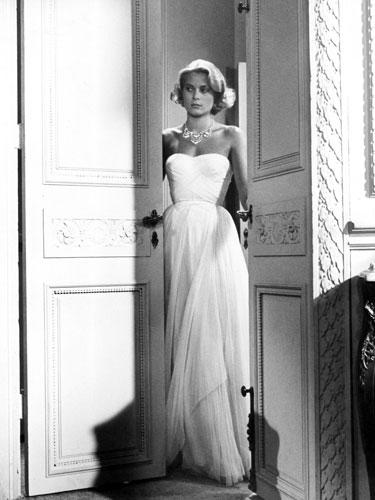 "<div class=""caption-credit""> Photo by: Everett Collection</div><div class=""caption-title"">Grace Kelly</div><i>To Catch a Thief,</i> 1955. In a dress that rivals the beauty of her wedding gown, Grace Kelly does elegance like no one else. <br> <br> <b>More from REDBOOK: <br></b> <ul>   <li>     <b><a rel=""nofollow"" href=""http://www.redbookmag.com/beauty-fashion/tips-advice/october-2012-fashion-and-accessories-for-breast-cancer-awareness?link=rel&dom=yah_life&src=syn&con=blog_redbook&mag=rbk#slide-1"" target="""">50 Finds Under $50 -- That Give Back!</a></b>   </li>   <li>     <b><a rel=""nofollow"" target="""" href=""http://www.redbookmag.com/health-wellness/advice/increase-metabolism?link=rel&dom=yah_life&src=syn&con=blog_redbook&mag=rbk#slide-1"">20 Ways to Speed Up Your Metabolism</a></b>   </li> </ul>"