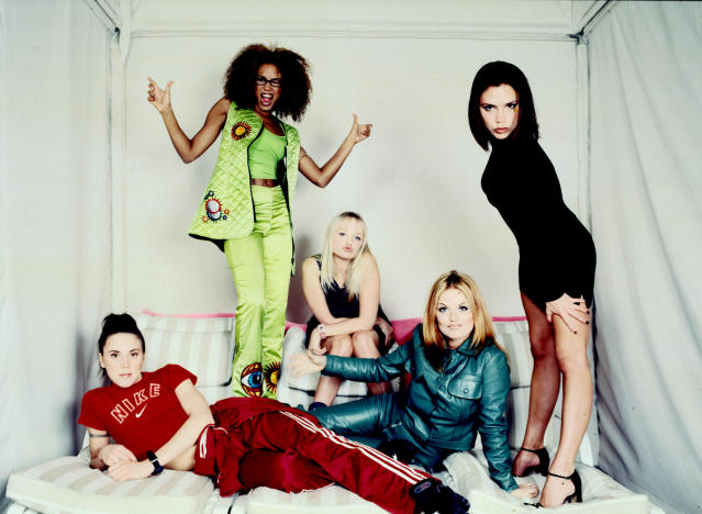 296283 05: ***EXCLUSIVE*** (NO TABS AND NO SKIN) The pop rock singing group, The Spice Girls, pose for a group portrait during a studio session in New York City, February 1, 1997. (Photo by Ann Summa/Liaison)