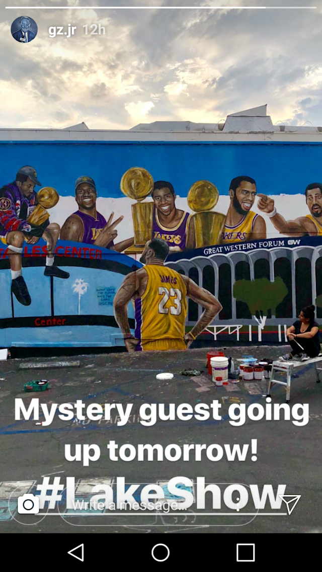 The finished product of the latest LeBron James x Lakers mural in L.A. (Image via gz.jr on Instagram)