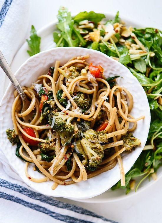 "<strong>Get the <a href=""http://cookieandkate.com/2015/spinach-pasta-recipe/"">Spinach Pasta with Roasted Broccoli and Bell Pepper recipe</a>&nbsp;from Cookie + Kate</strong>"