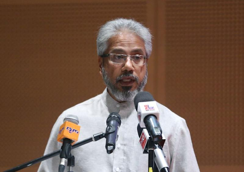 Senator P. Waytha Moorthy says he will moot 10 per cent of government contracts to be reserved for the Indian community. — Picture by Razak Ghazali
