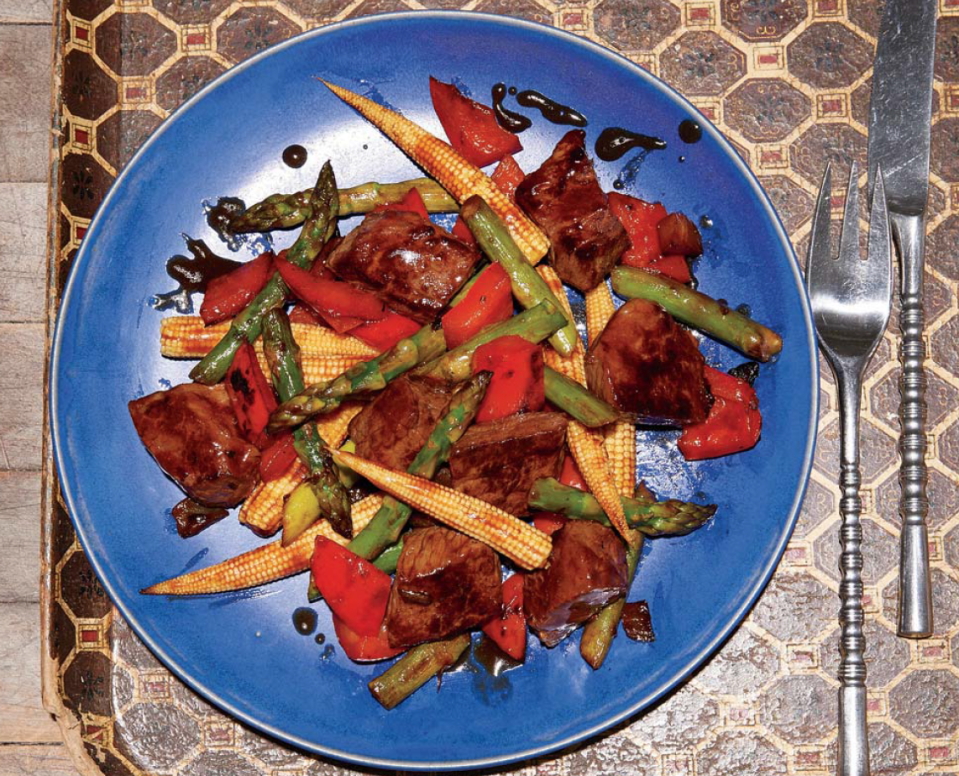 """<p>This quintessential bachelor meal is a huge level up from ramen bricks. It features lean sirloin, bushels of vegetables, and a secret sauce. Perfect the date-caliber dish and you may not be a bachelor for long?</p><p>""""Oh, this? It's just something I whipped up..."""" </p><p>Score the recipe <a href=""""https://www.amazon.com/Man-Pan-Plan-Delicious-Nutritious/dp/1635650046"""" rel=""""nofollow noopener"""" target=""""_blank"""" data-ylk=""""slk:here"""" class=""""link rapid-noclick-resp"""">here</a>.</p>"""