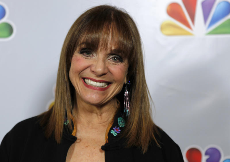 """Actress Valerie Harper arrives for the taping of """"Betty White's 90th Birthday: A Tribute to America's Golden Girl"""" in Los Angeles January 8, 2012. REUTERS/Sam Mircovich (UNITED STATES - Tags: ENTERTAINMENT)"""
