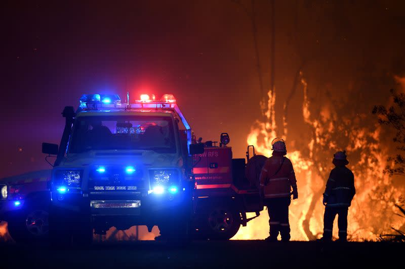 Fears grow about Sydney after Australia fires merge into giant blaze