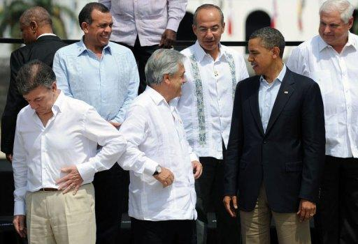 (L to R) Colombia's President Juan Manuel Santos, Honduras' President Porfirio Lobo, Chile's President Sebastian Pinera, Mexico's President Felipe Calderon, US President Barack Obama and Panama's President Ricardo Martinelli during the VI Summit of the Americas' in Cartagena de Indias, Colombia, on April 15, 2012