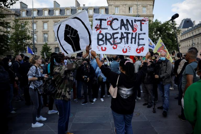 Thousands of people turned out in Paris and other cities to protest against police violence amid calls for change (AFP Photo/THOMAS COEX)