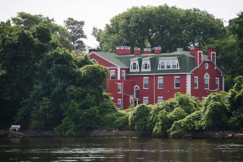 Part of the Russian Federation's riverfront compound is seen from the water on Maryland's Eastern Shore in Centreville, Maryland on June 16, 2017. (Photo: Jim Watson/AFP/Getty Images)