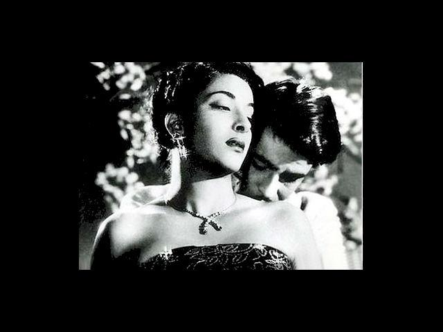 Yes, way back in 1951, Nargis set the screen on fire in 'Awara'. The passion and sensuality of Nargis, and her chemistry with Raj Kapoor was too hot to handle.