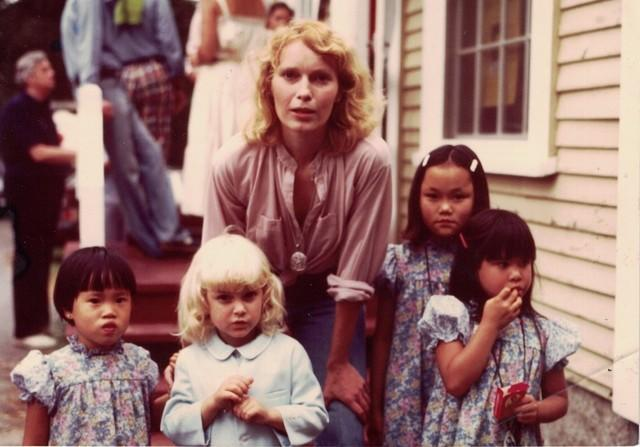 Mia Farrow, center, with her children. From left, Daisy, Fletcher, Soon-Yi and Lark.