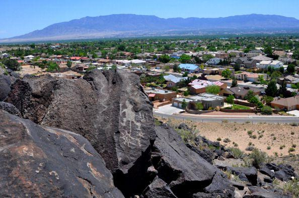 <p>Most Americans might not think of Albuquerque when it comes to traffic, but a combination of low safety and infrastructure ranks it 25th worst in the country. </p>
