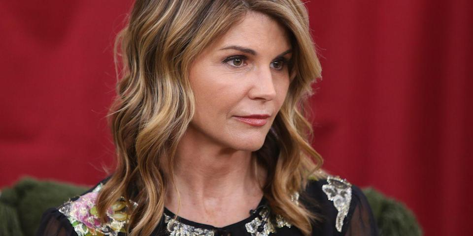 Read Lori Loughlin's Bizarre Wiretapped Phone Conversation With College Admissions Scammer